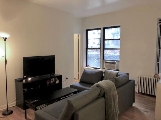1 cozy room in Murray Hill