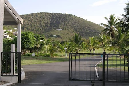 Relax in paradise! An ocean view Condo on St Croix