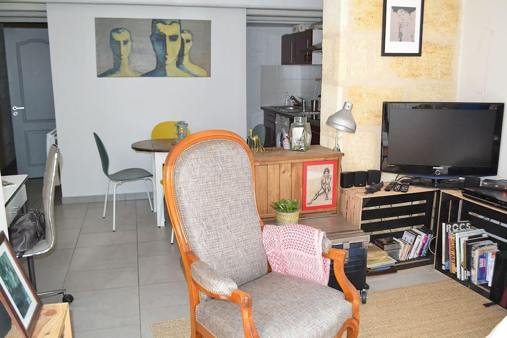 T2 40m2 terrasse proche centre appartements louer for Appartement bordeaux 40m2