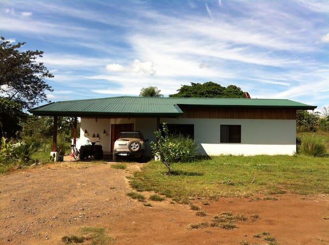 Private, sunny suite on tico farm - Limonal, Abangares, Guanacaste, Costa Rica - Rumah