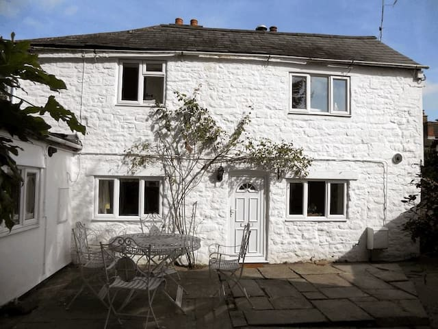 Traditional stone built cottage - Mitcheldean - Huis