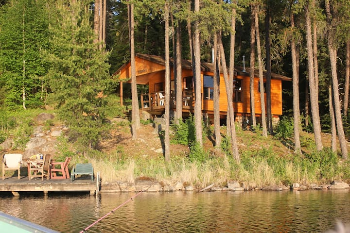 Deluxe fly in outpost cabin - Kenora - Cottage
