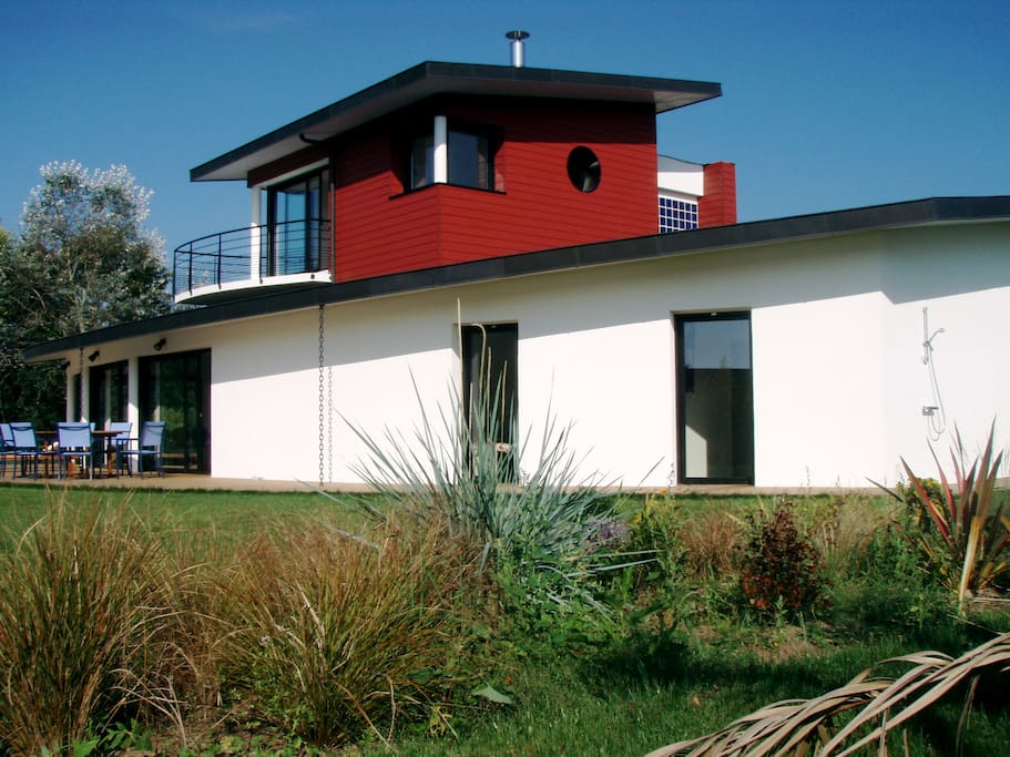 Belle villa contemporaine maisons louer combrit bretagne france - Belle salle de bain contemporaine ...
