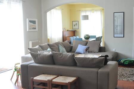 Spacious apartment in Kifissia - Kifisia - Apartment