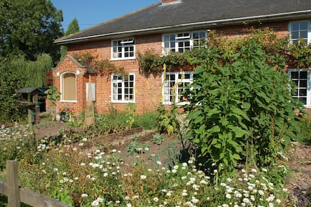 A cottage hideaway in the country - Great Carlton, Louth