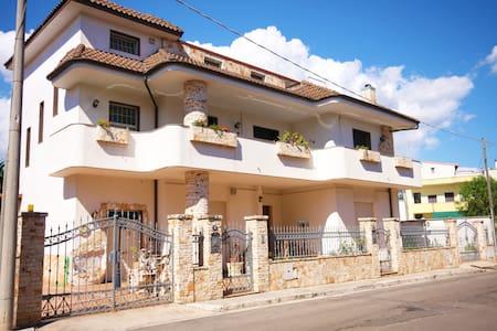 Casa per scoprire il Salento a 13 KM da Gallipoli - Casarano  (LE)