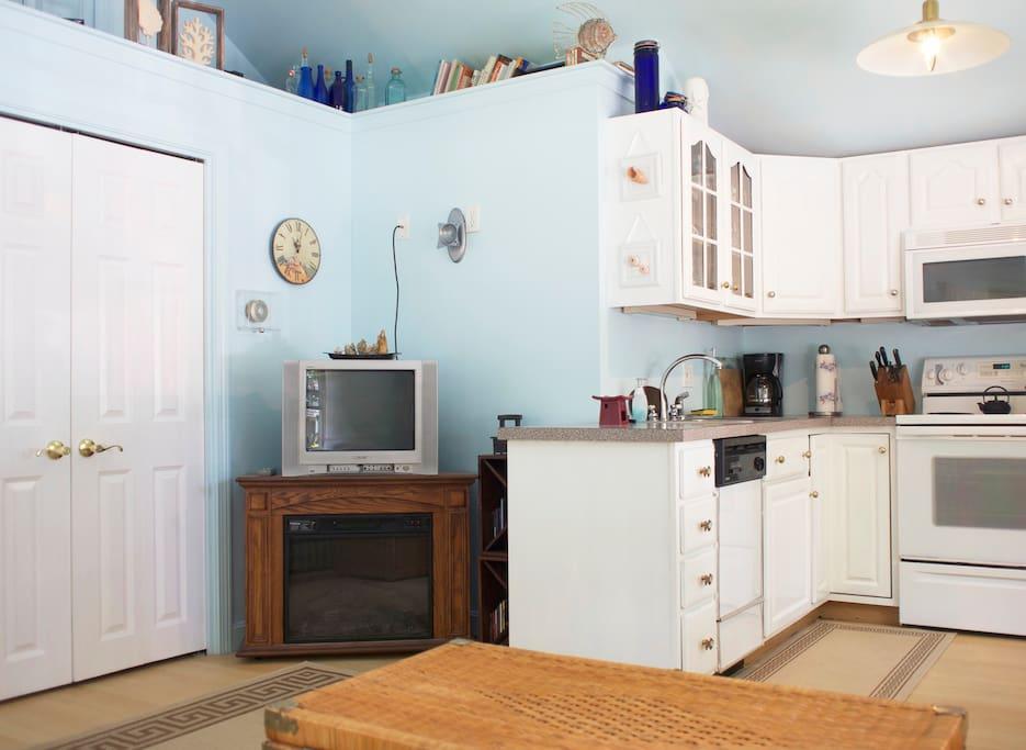 Adorable One Bdrm Cottage Apartment