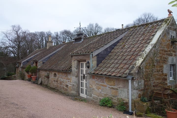 Two Bedroom Granary Nr St. Andrews - Boarhills - Casa