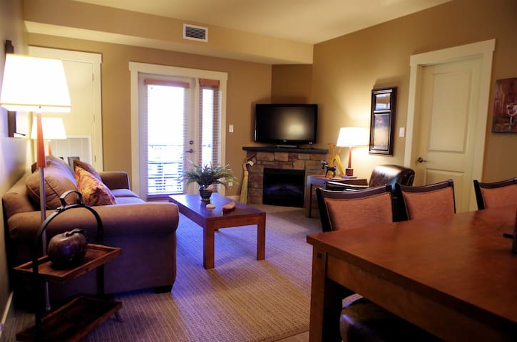 Kokanee Springs Resort 1 Bedroom Villa - Crawford Bay - Casa de campo
