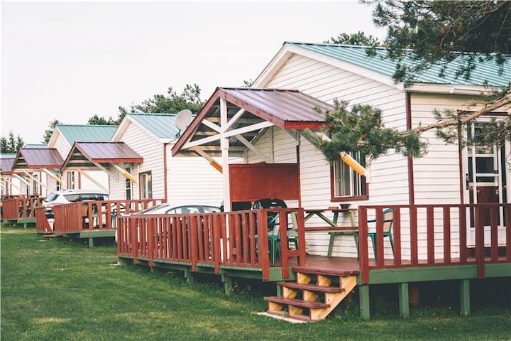 Island Life Cottages__Single Room Cottage