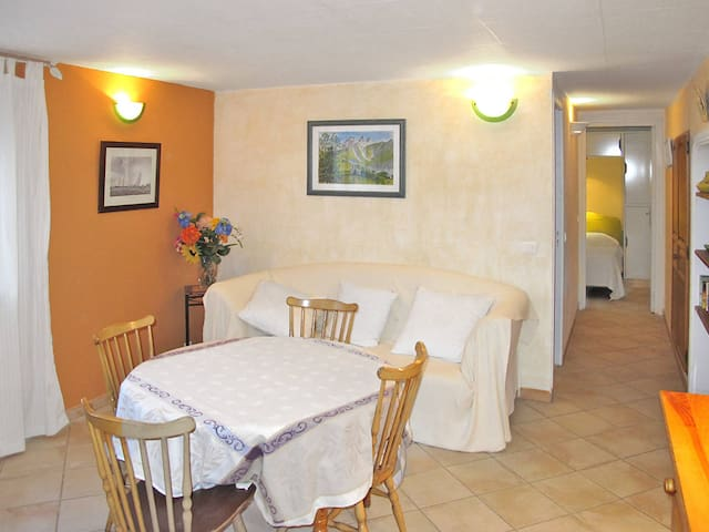 Holiday apartment in St. Cezaire-sur-Siagne for 4 persons