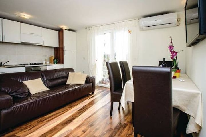 May 2017 SPECIAL OFFER 2BD apartm. - Mlini - Lägenhet