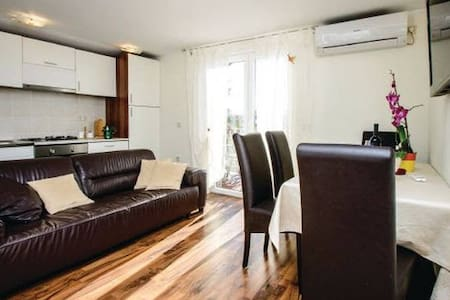 September SPECIAL OFFER 2BD apartm. - Apartment