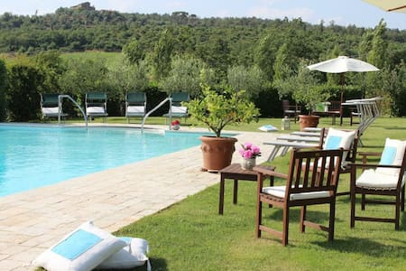 Easter special offer!4 sleeps (L&L) - Lucignano