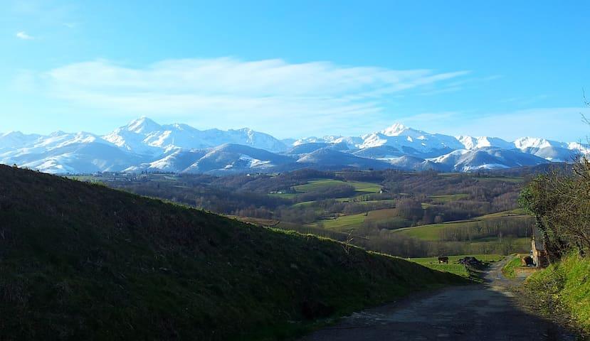 Pyrenean Views -  Bagnere-de-Bigorre - Casa
