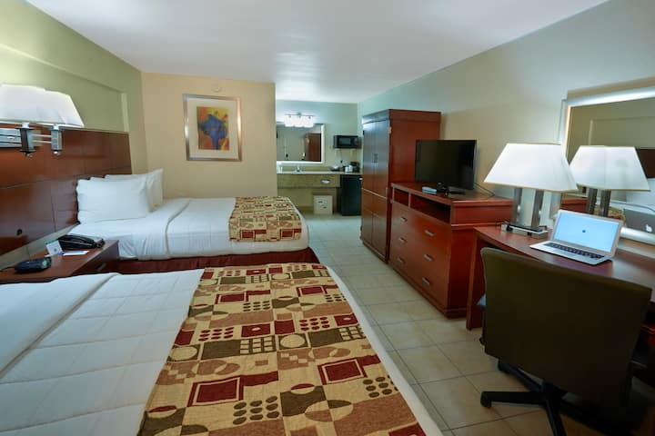 Flamingo Express Hotel, Standard Two Queen Beds