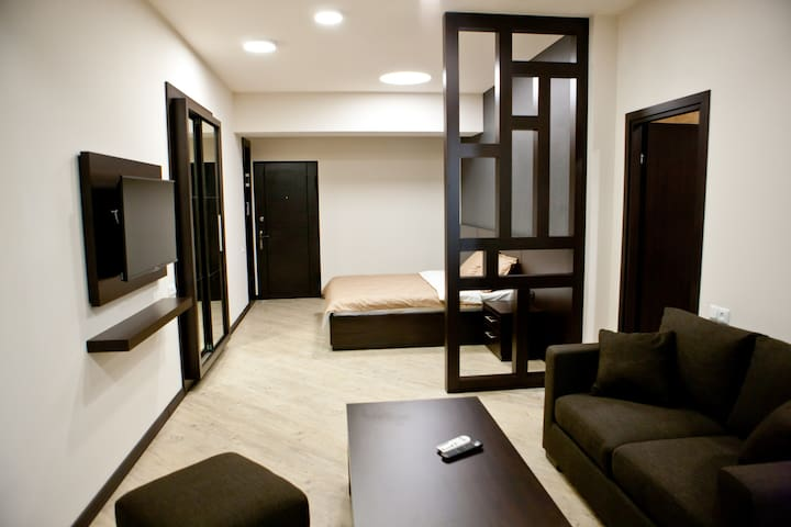 Heart of Yerevan!!!!!!! (Studio apartment #10/1)