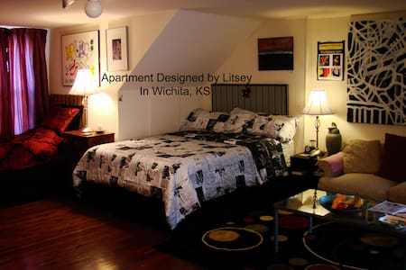 Private Apartment/Home New Beds, 2min. to Downtown - Wichita - Apartamento