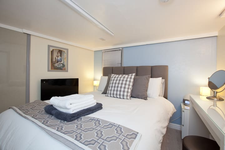 Unique Modern, Hideaway in town - Littlehampton - Apartament