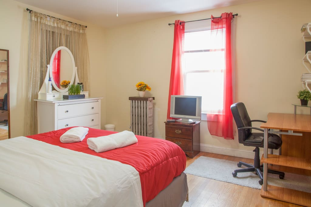 Manuela 39 S Room Away From Home Apartments For Rent In Malden Massachusetts United States