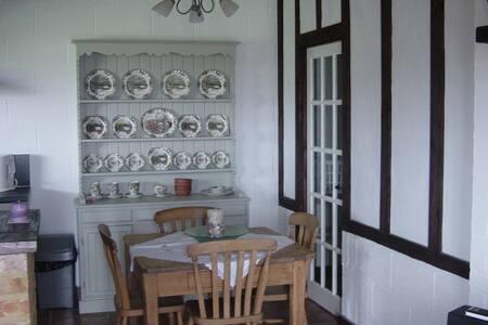 Rose Cottage - Iden - House - 2