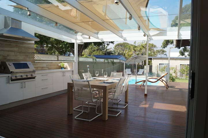 Cronulla Family Home with Pool - Cronulla - Hus
