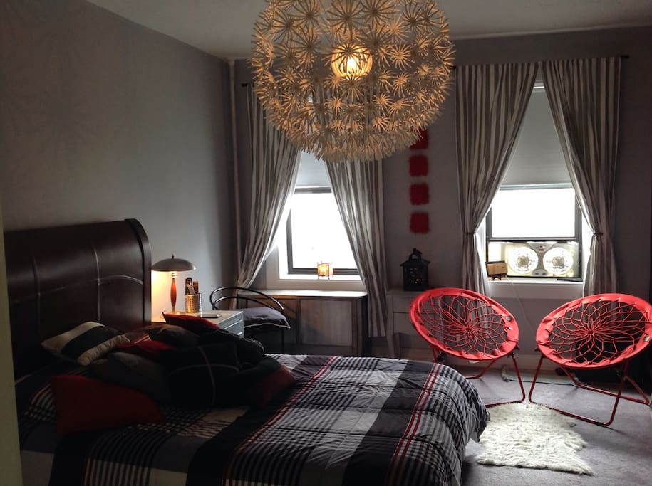 Cozy room in astoria apartments for rent in astoria new for Aki kitchen cabinets astoria ny