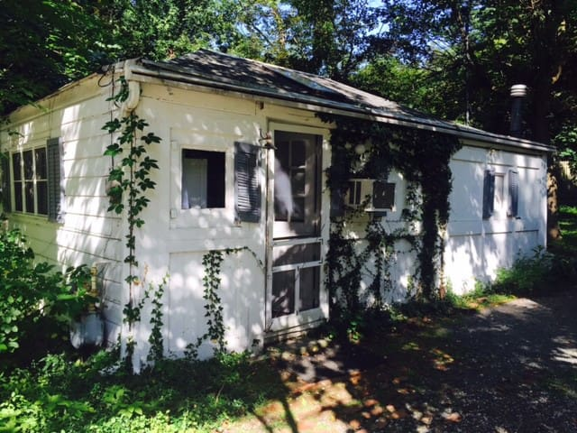 ADORABLE COTTAGE IN HISTORIC SETTING - Palisades - Hus