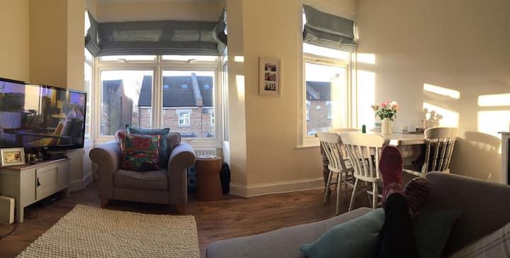 Bright entire 1 bedroom flat