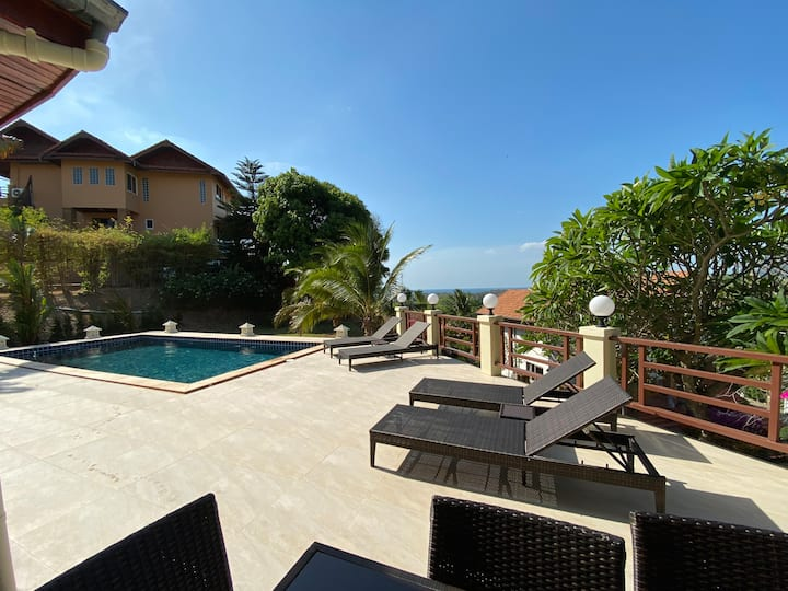 Sea View Pool Villa 280 sqm with 4 bedrooms