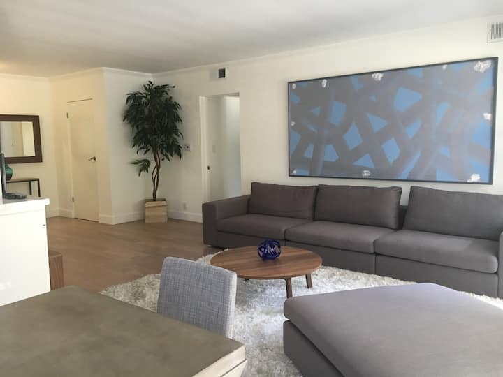 2 Bdrm  in heart of Beverly Hills