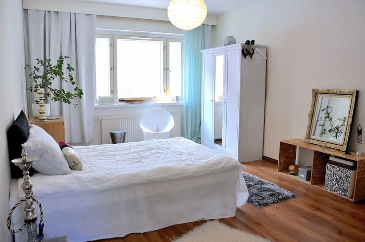 NICE, SPACIOUS & TIDY room close to centre - Tampere - Departamento