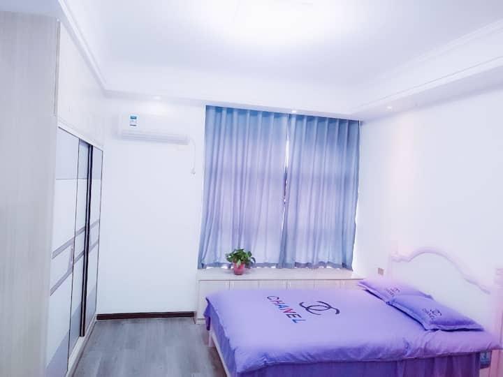 汉江路墨尔本公寓精装修,近火车站,近诸葛亮广场,近万达,沃尔玛