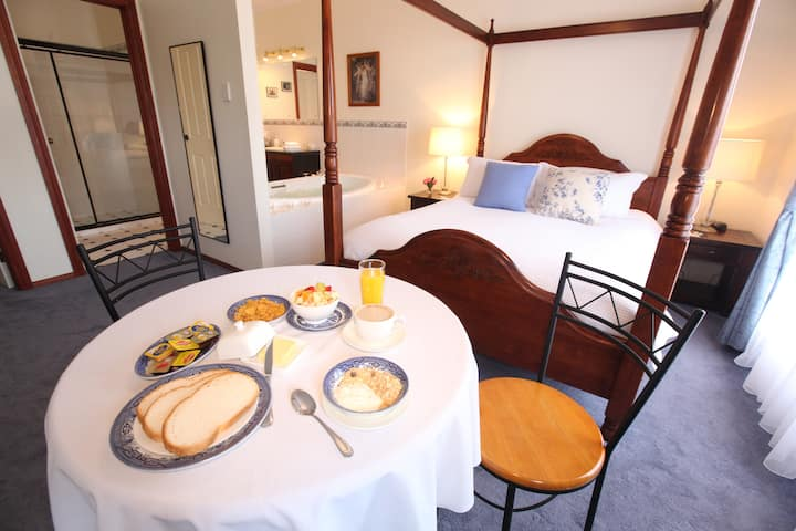 Studio Suite - Wine and Roses Bed and Breakfast