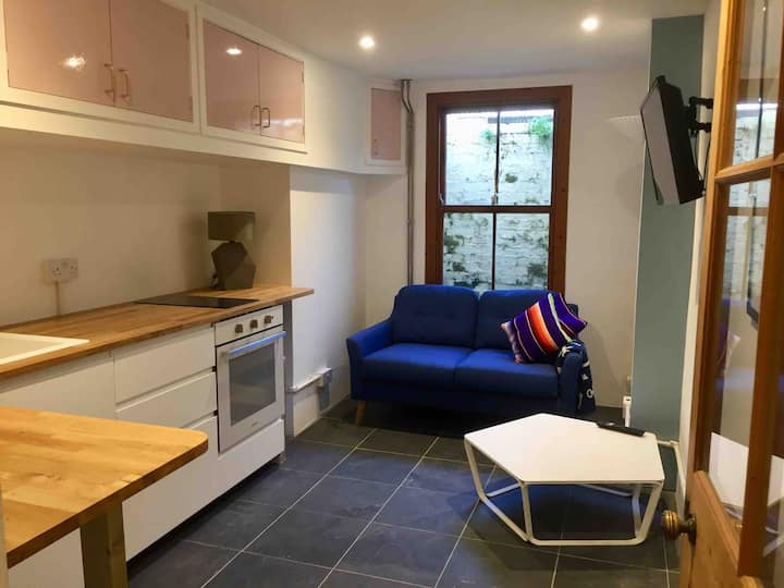 Small Self-Contained Stylish 1 Bed Flat Near Town