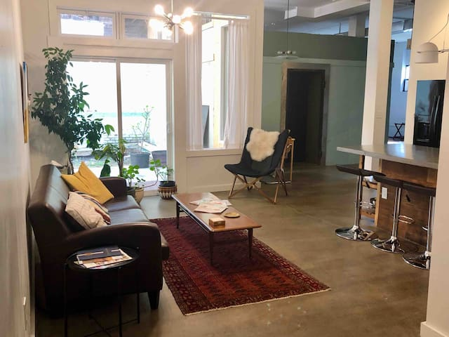 Downtown Lynchburg, Vault Loft, 1,500 sq. ft., Va