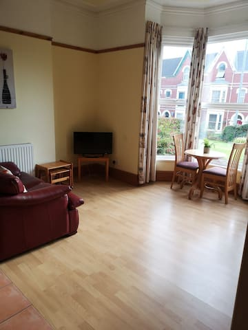 Spotless Apartment in the popular area of Uplands