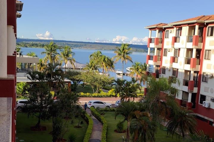 Apartamento Lakeside vista lateral para o lago