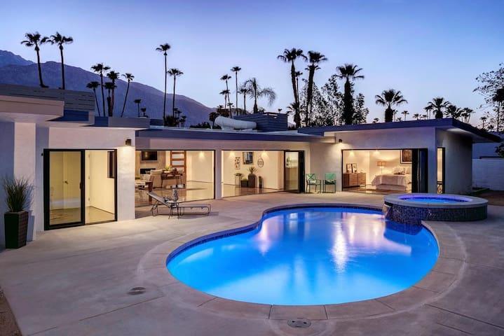 Luxury Modern Escape - 'Casa Esencia'