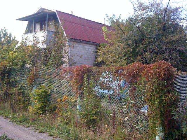 Загородный дом для семьи (особенно с  детьми)