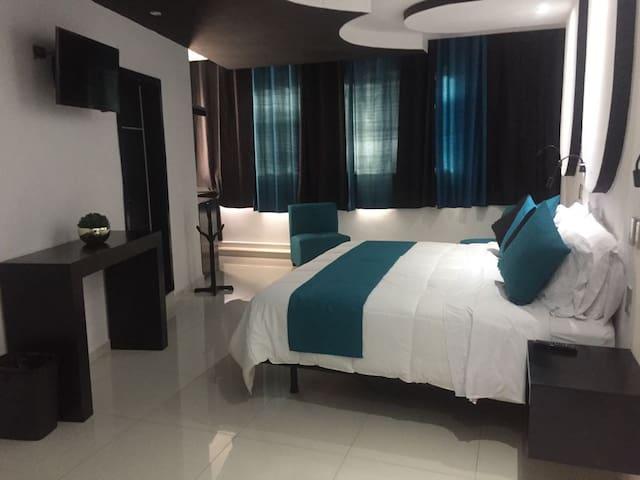 Hotel Dluxe & Suites