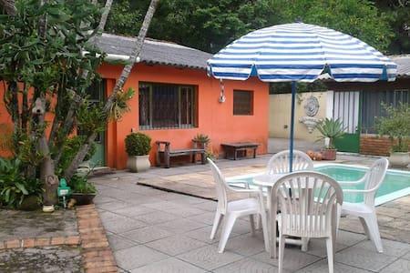 Kitnet,ambiente familiar,seguro, junto à natureza - Porto Alegre
