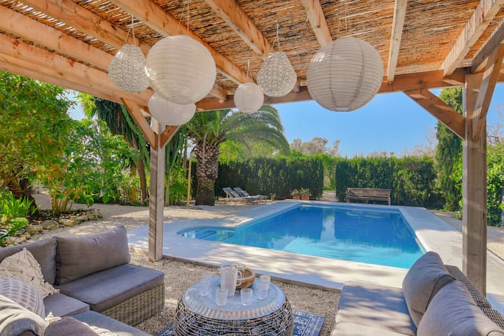 Beautiful Villa with Private Swimming Pool in Benissa