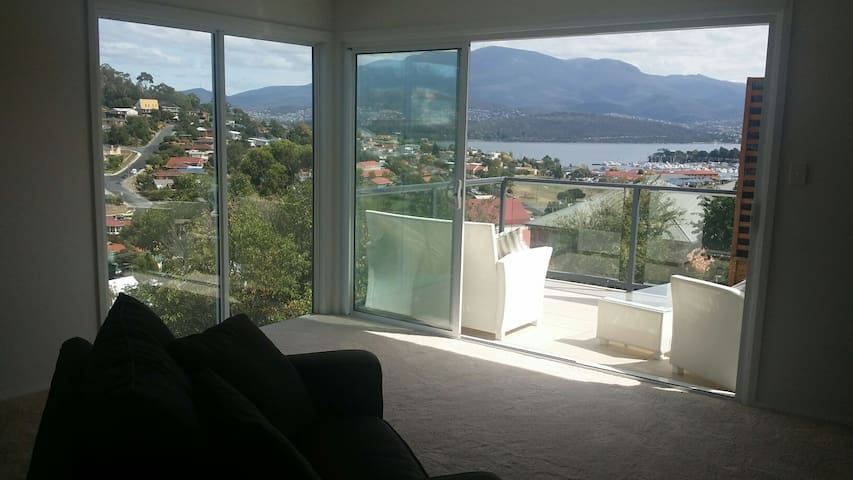 Charming house opp Mount Wellington