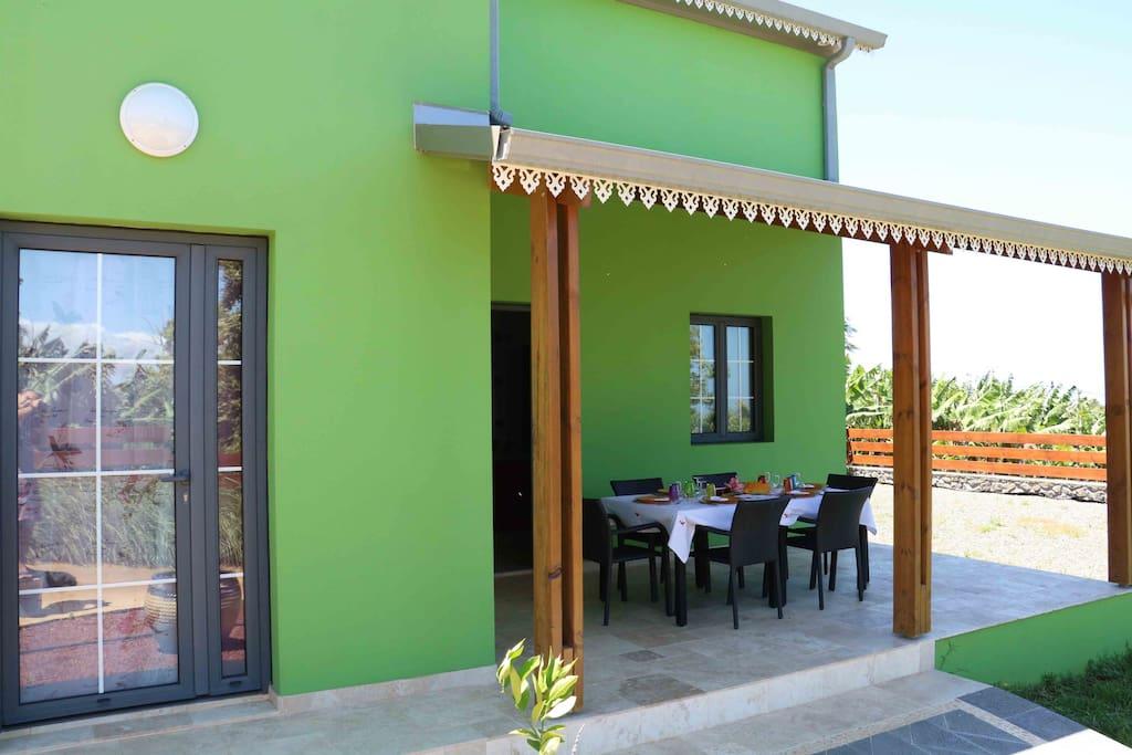 """Villa """"Latania"""""""