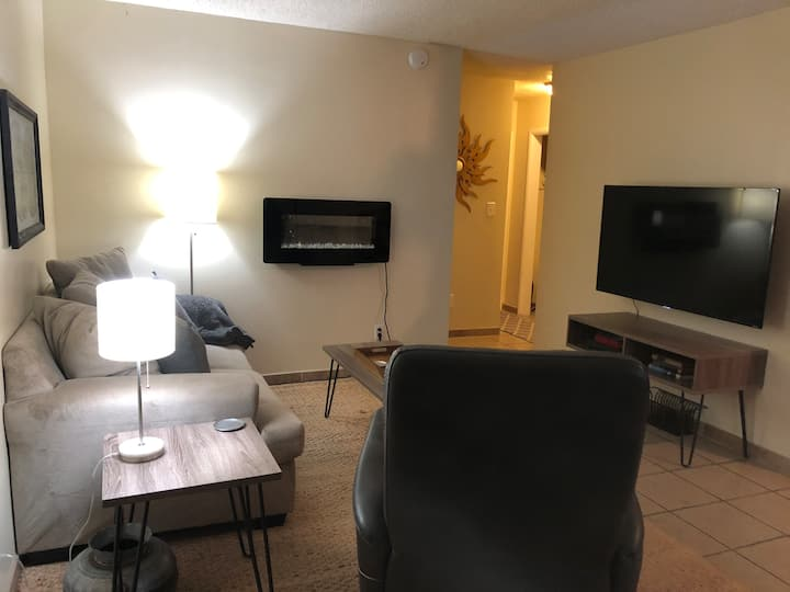 Tulsa University Area Apt #4-Downstairs