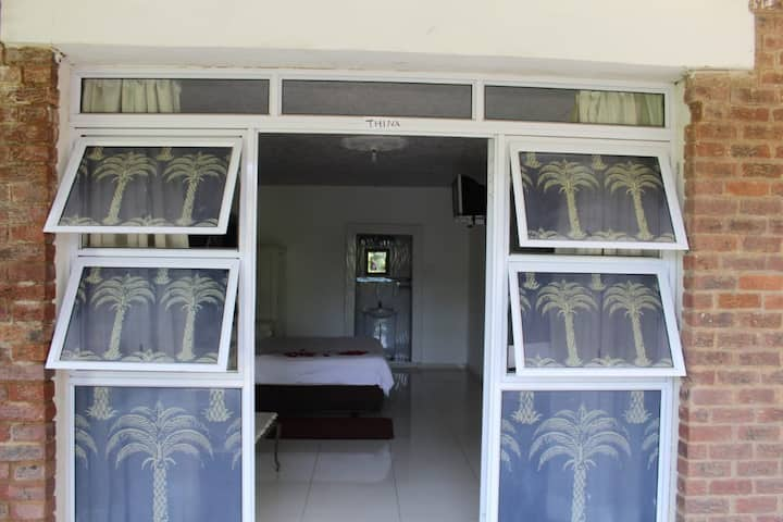 Sinawe self-catering