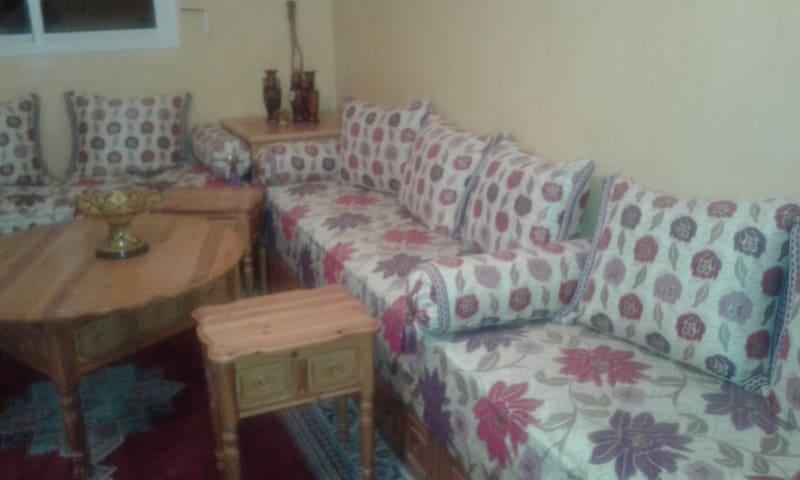 Une chambre pour cinq personne, 120$/€ semaine - Settat - Appartement