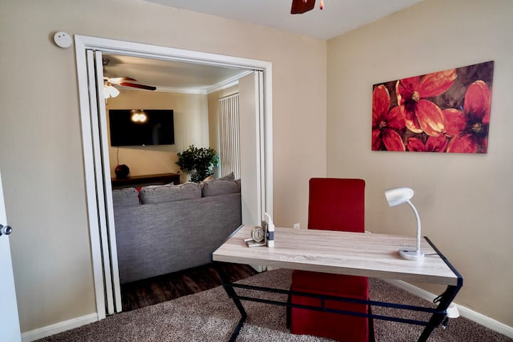 Work in/private office & Relax in Private Home