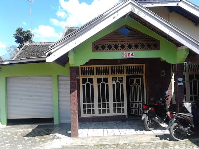 North Lampung Regency - Huis